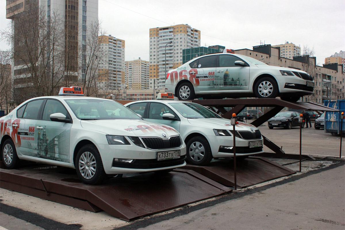 Ножничные парковочные подъёмники для автомобилей