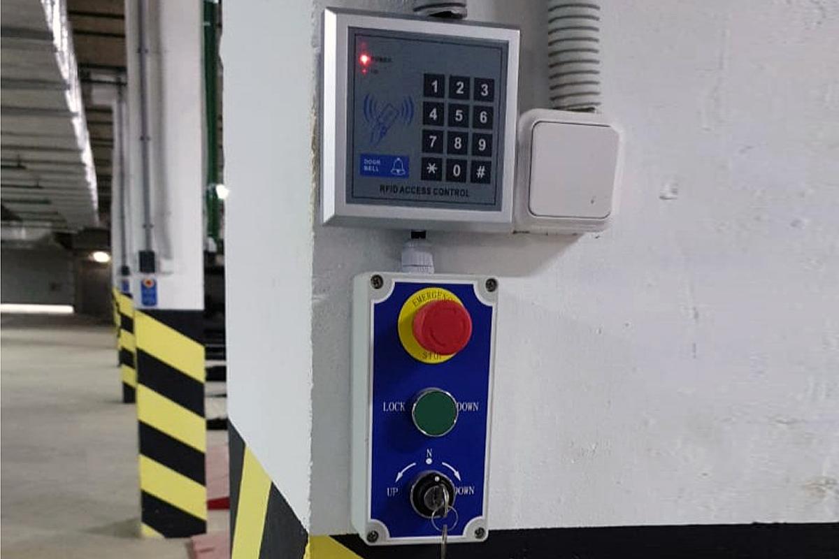 Пульт управления китайского парковочного подъёмника