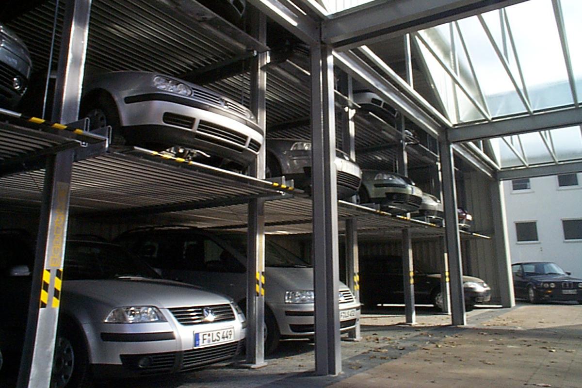Немецкая многоуровневая парковочная система зависимого типа