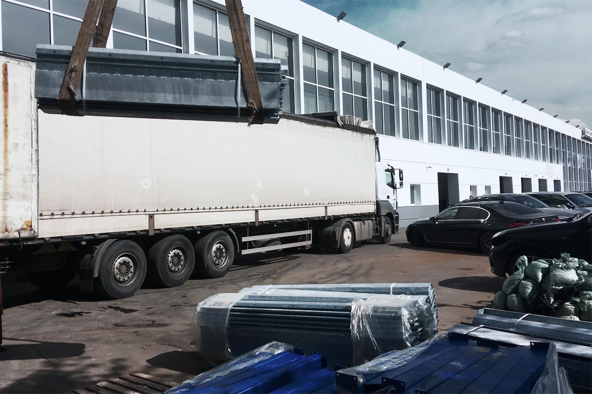 Доставка партии парковочных подъемников для салона BMW