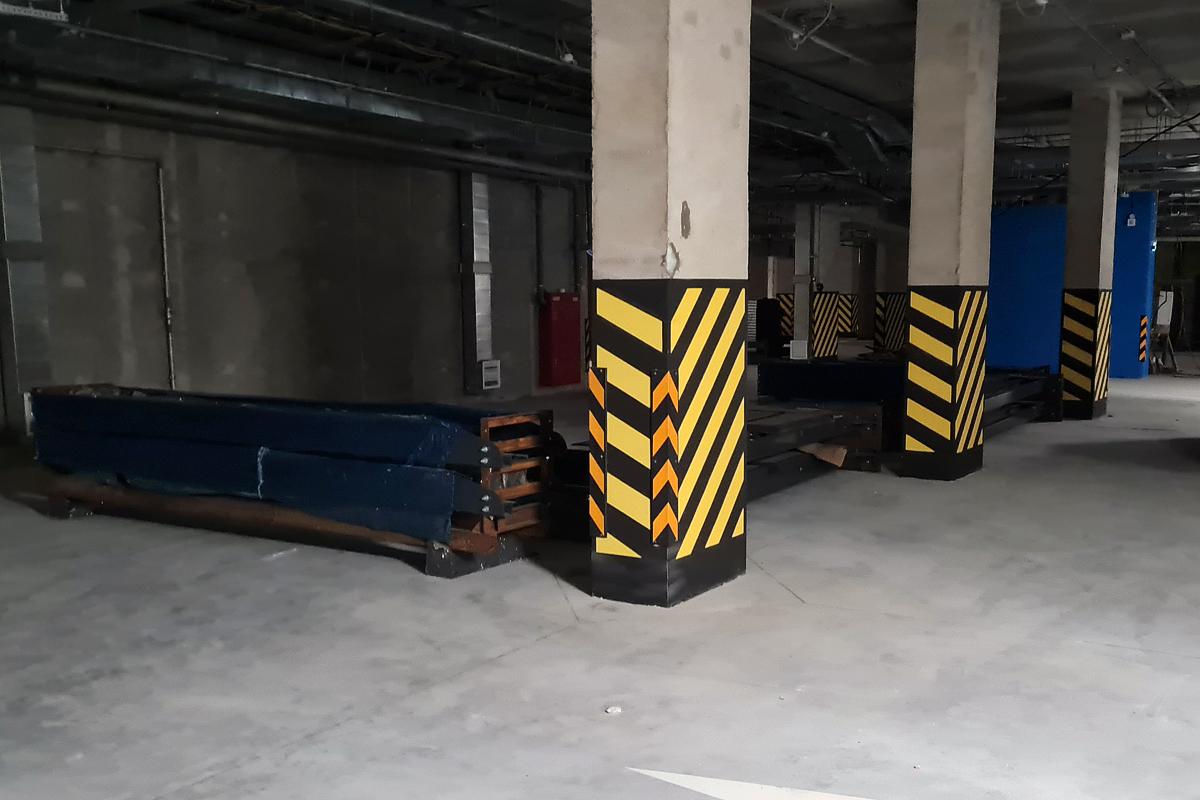 Автомобильные лифты доставлены в жилой комплекс бизнес-класса
