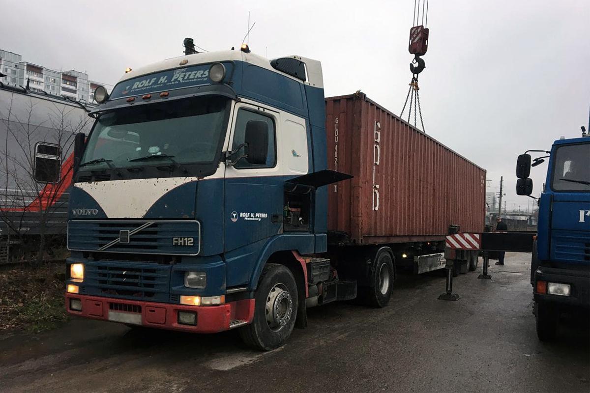 Отправка контейнера с парковочным оборудованием в Сочи