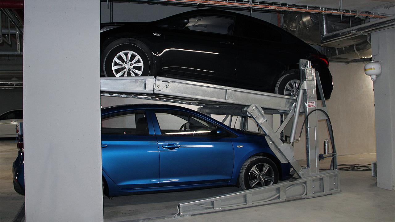 Парковочный подъёмник с наклонной платформой