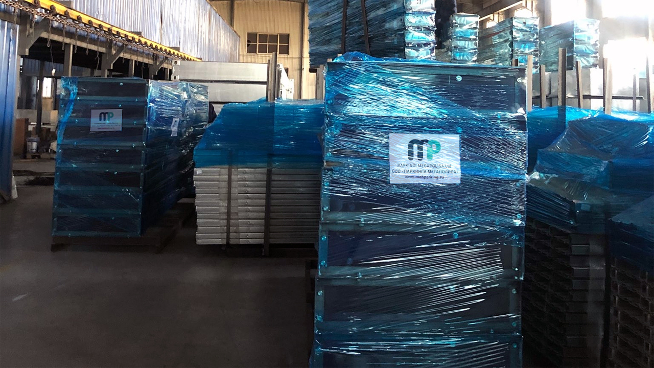Парковочные подъёмники на складе в Китае