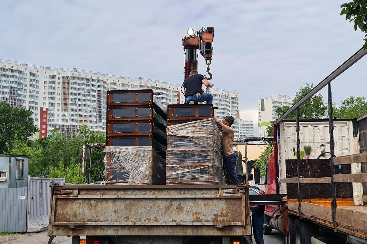 Отправка парковочного оборудования со склада