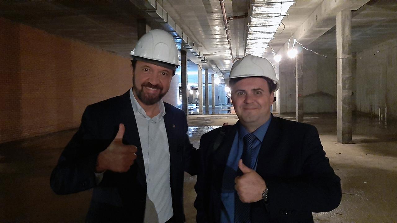 Глава компании SanPark на объекте в строящемся подземном паркинге