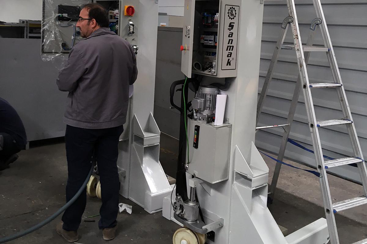 Монтаж электрики для парковочной системы